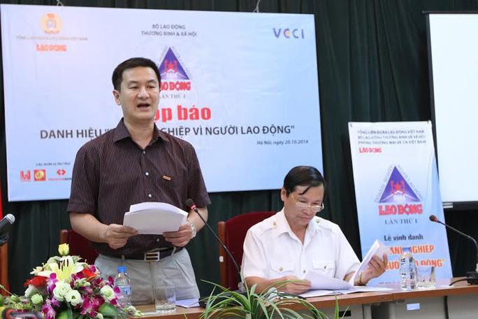 Ông Trần Duy Phương - Tổng Biên tập Báo Lao Động, Trưởng ban tổ chứcgiải thưởng tại buổi họp báo