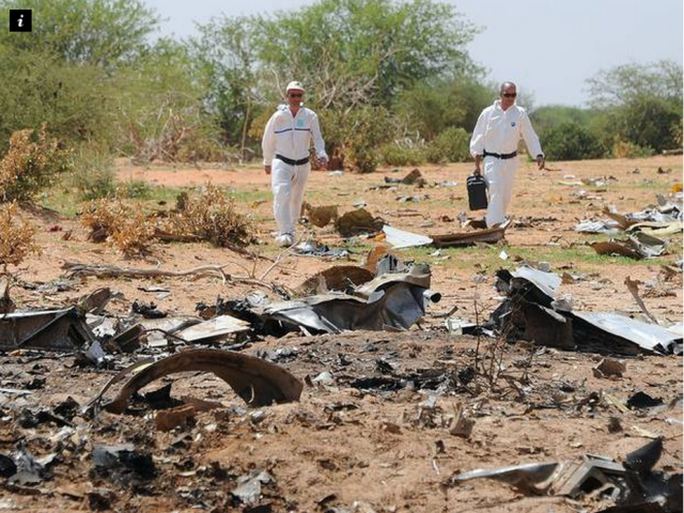 Phi hành đoàn thiếu kinh nghiệm xử lý có thể là nguyên nhân khiến máy bay Algerie gặp nạn. Ảnh: Independent