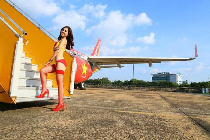 Ảnh Ngọc Trinh mặc bikini không phải hình ảnh quảng cáo của VietJet