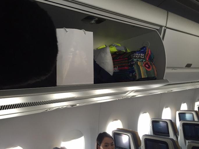 Xu hướng của hành khách đi máy bay ngày càng mang nhiều hành lý. A350XWB được thiết kế giá để đồ rộng rãi hơn để hành khách có thể mang theo hơn 1 chiếc vali lên máy bay