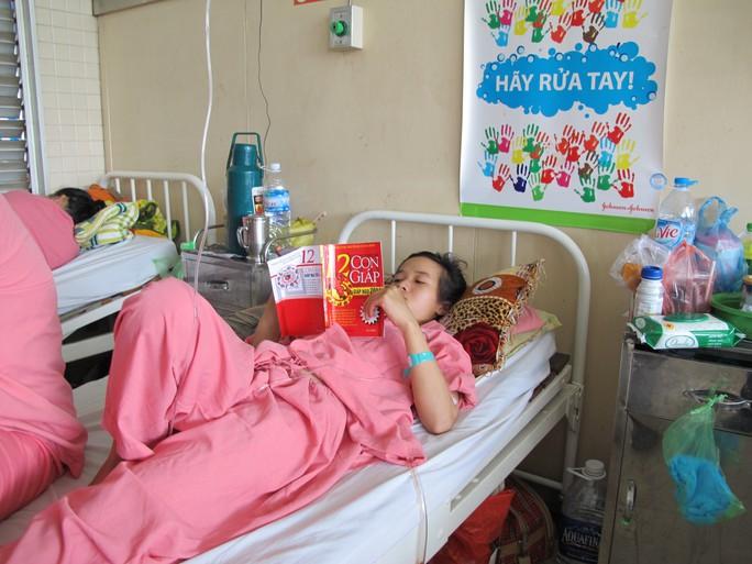 Chị Hoa đang được theo dõi tại Bệnh viện Chợ Rẫy
