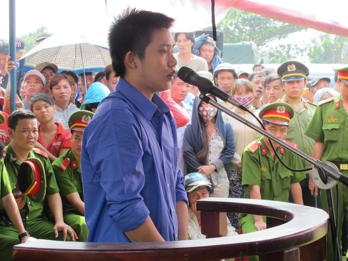 Hồ Văn Hiếu đã dùng súng điện bắn vào nhóm nạn nhân