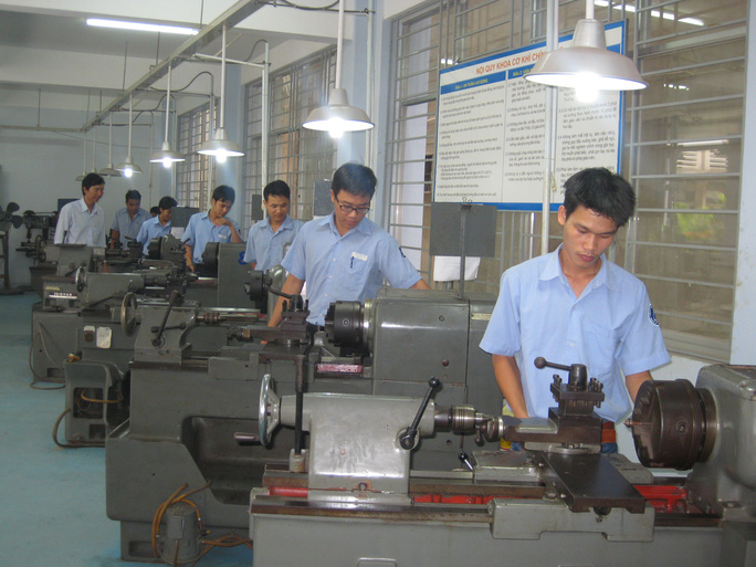 Học viên đang thực hành tại cơ sở Dạy nghề