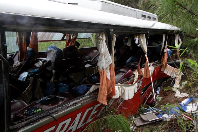 Sau tai nạn, chiếc xe bị hư hỏng nặng