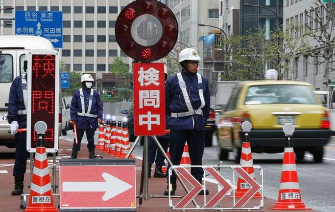 http://www.timeslive.co.za/Feeds/Reuters_Images/2014/04/23/2014-04-22t084229z_01_tok318_rtridsp_3_japan-22-04-2014-10-04-44-712.jpg/ALTERNATES/crop_630x400/2014-04-22T084229Z_01_TOK318_RTRIDSP_3_JAPAN-22-04-2014-10-04-44-712.jpg