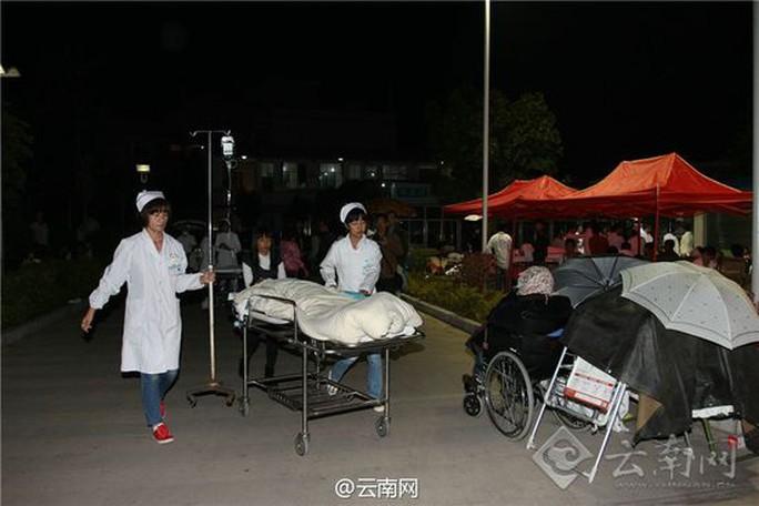 云南景谷6.6级地震已致普洱临沧两地1死324伤(组图)