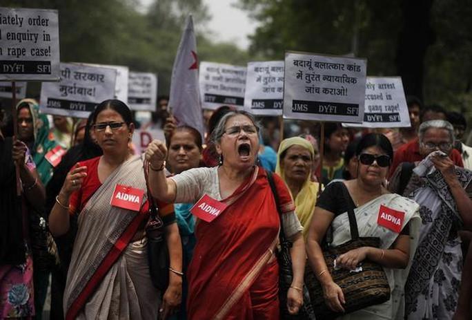 Phụ nữ Ấn Độ biểu tình phản đối cưỡng hiệp