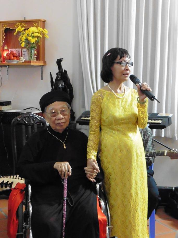 Nhà giáo ưu tú Phạm Thúy Hoan bày tỏ xúc động trong ngày Hiến chương nhà giáo VN và tình cảm của bà dành cho người thầy đáng kính của âm nhạc VN - GS-TS Trần Văn Khê.