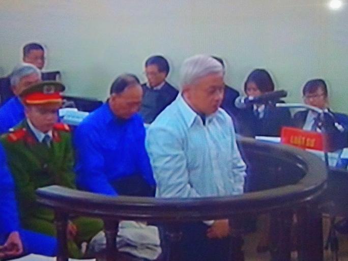 Bị cáo Nguyễn Đức Kiên (bầu Kiên) tại tòa phúc thẩm - Ảnh chụp qua màn hình