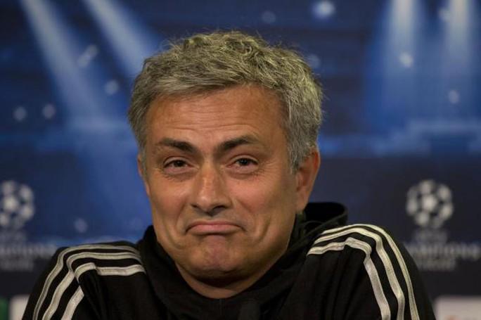 """""""Người đặc biệt"""" Mourinho bỗng trở thành """"người im lặng""""!"""