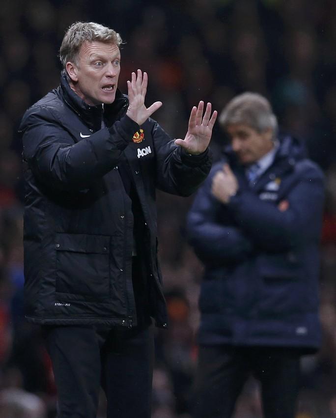 Ông Moyes dường như đầu hàng vô điều kiện trước các đối thủ mạnh ở Premier League.