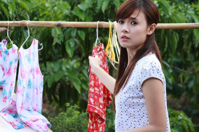 Midu vai Lục Bình trong phim Con trai, con gái