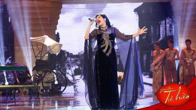 Đạo diễn Tấn Lộc kỳ công mang cả Hà Nội thời chống Pháp lên sân khấu làm nền cho ca khúc