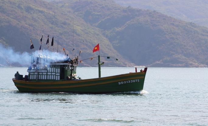 Ngư dân Bình Định quyết tâm bám biển dù bị Trung Quốc đe dọa. Ảnh: A.Tú