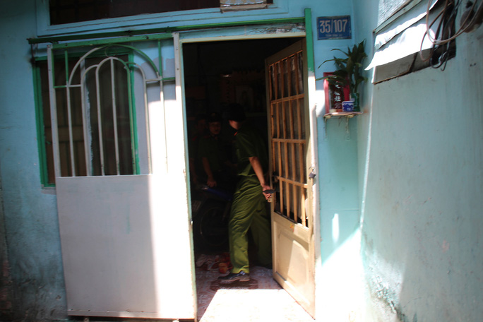 """Căn nhà 35/107 Trần Đình Xu (số cũ), phường Cầu Kho, quận 1 – TP HCM, nơi đối tượng Tuấn giết người tình cũng là """"em dâu"""" rồi dùng kéo cắt xác một cách man rợ."""