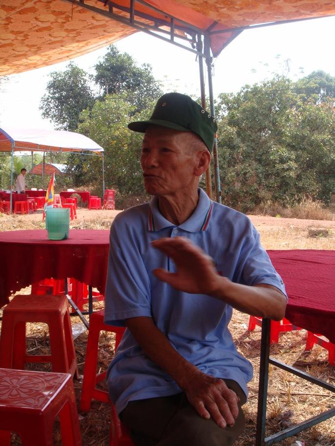 Ông Trương Bá Nha, bức xúc trước tình trạng tội phạm lộng hành tại địa phương.