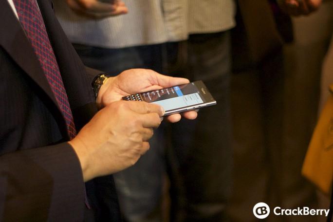Mẫu BlackBerry bàn phím QWERTY mới lộ diện