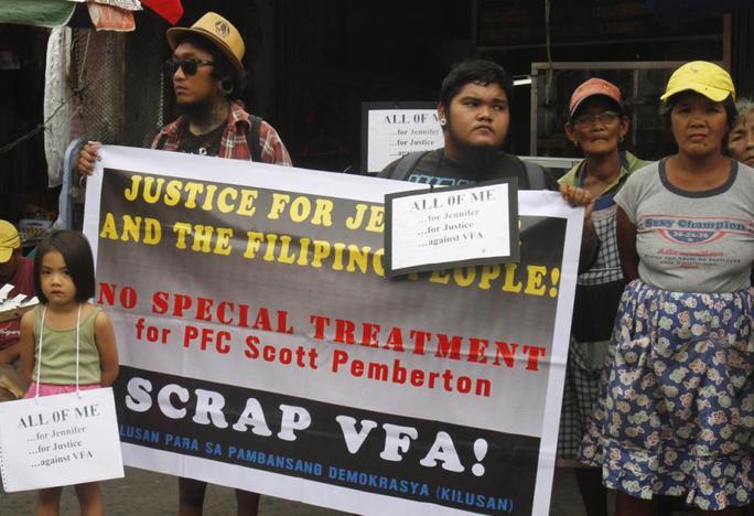Vụ binh sĩ Mỹ giết hại người chuyển giới Philippines đã khiến dư luận phản đối dữ dội. Ảnh: Reuters
