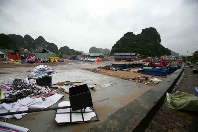 Quảng Ninh ngổn ngang sau bão số 3. Ảnh: Trọng Đức