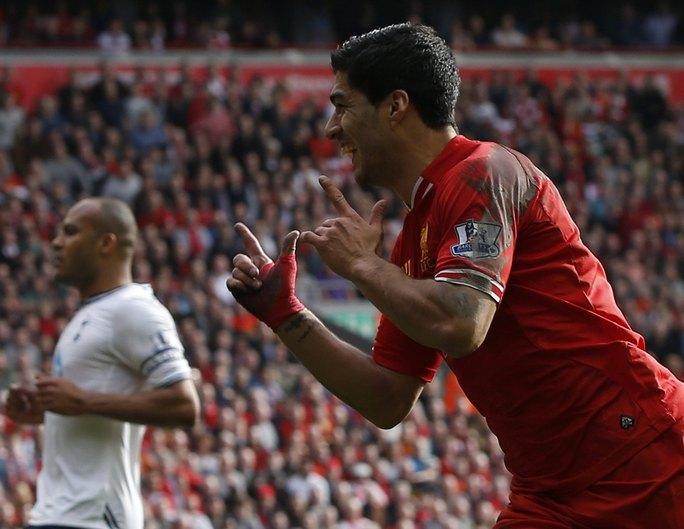 Tiền đạo người Uruguay - Suarez - đang dần trở thành huyền thoại ở Liverpool.