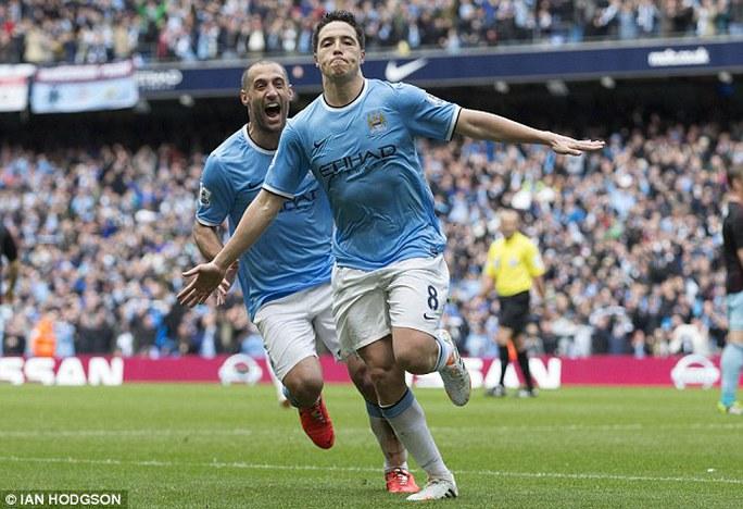 Xuất sắc trong màu áo Man City nhưng Nasri không được trọn dụng ở tuyển Pháp