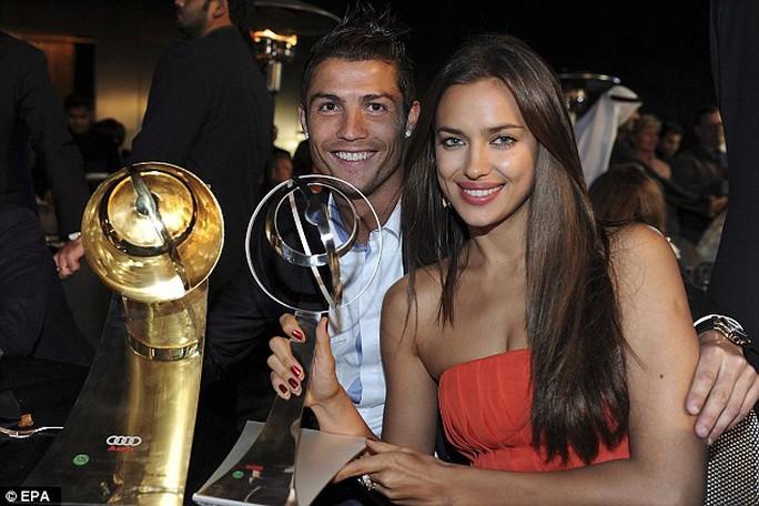 Ronaldo và bạn gái