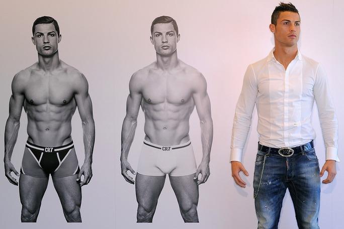 Ronaldo và sản phẩm đố lót CR7