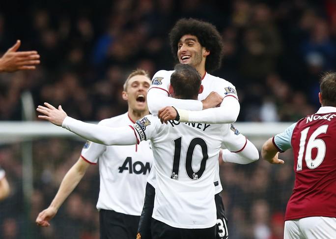 Vắng Van Persie vì chấn thương nhưng M.U đã có Rooney tỏa sáng rực rỡ