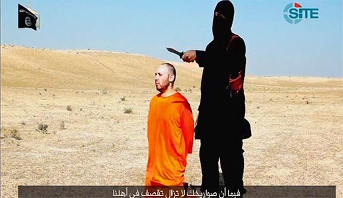 """Theo nhận định ban đầu của giới quan sát, video xử tử nhà báo Steven Sotloff """"rất thực"""". Ảnh: Reuters"""