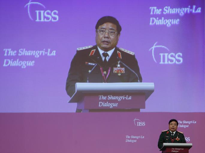 Bộ trưởng Phùng Quang Thanh phát biểu tại Đối thoại Shangri-La. Ảnh: Reuters