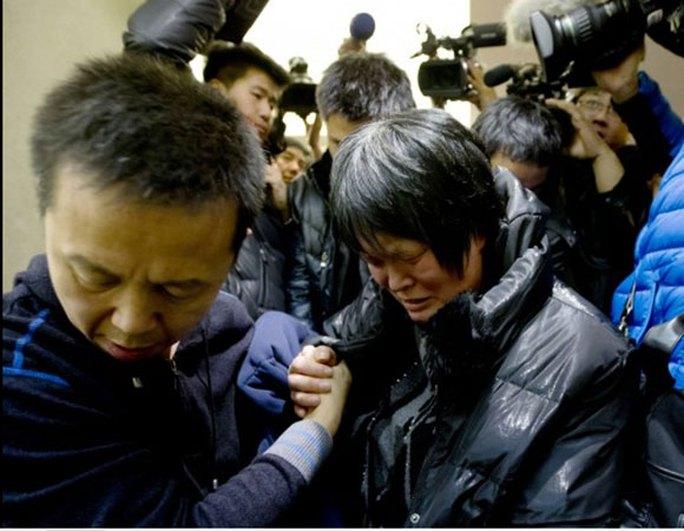 Vụ máy bay Malaysia mất tích:  Bí ẩn ĐTDĐ vẫn đổ chuông