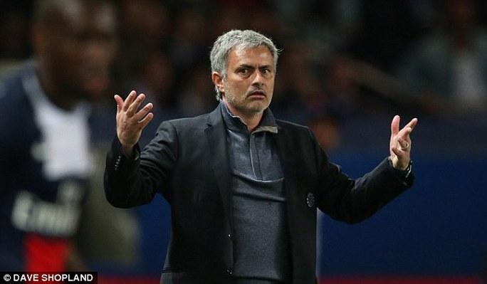 Ông Mourinho không hiểu chuyện gì đã xảy ra