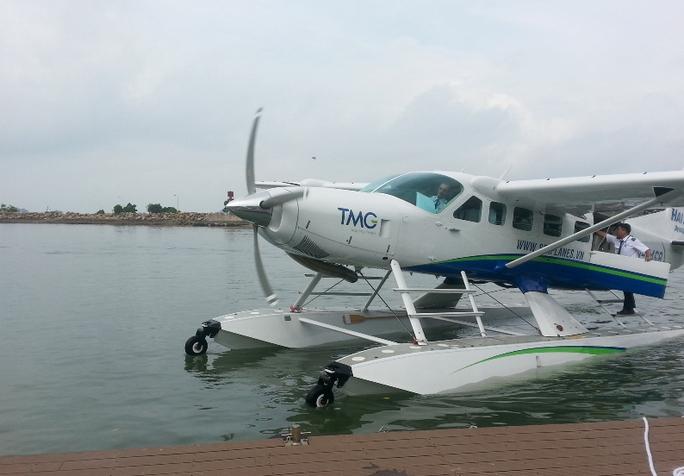 Chiếc thủy phi cơ mang nhãn hiệu Cessna Grand Caravan EX thế hệ mới nhất của Mỹ chuẩn bị bay khai trương trên vịnh Hạ Long