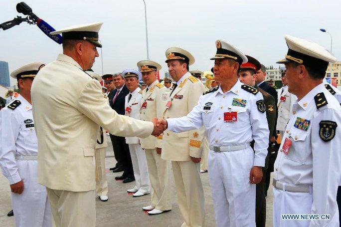Tàu chiến Nga cập cảng Thượng Hải, chuẩn bị tập trận