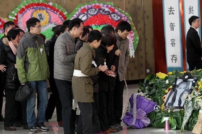 Đám tang của Qui được tổ chức sau khi cô qua đời hôm 10-12. Ảnh: qq.com