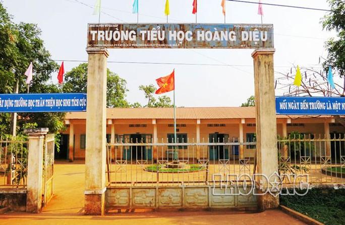 Trường Tiểu học cơ sở Hoàng Diệu, có 420 học sinh, phần đông là người dân tộc S'tiêng.