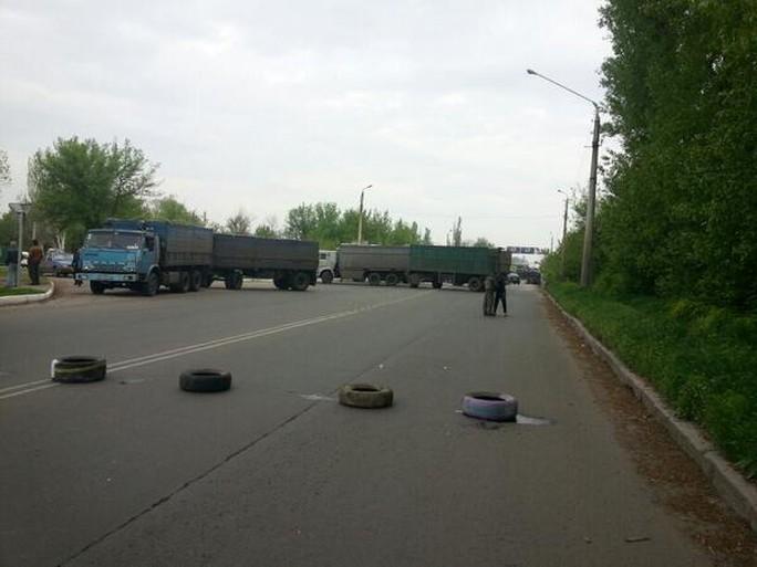 Đường xá bị chặn lại ở Kramatorsk. Ảnh: RT