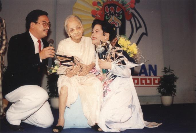 Sầu nữ Út Bạch Lan và mẹ mình