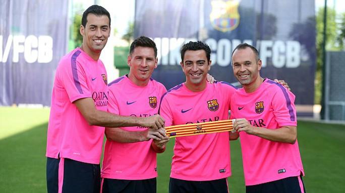 Ban cán sự Barca màu bóng mới: Busquets, Messi, đội trưởng Xavi và Iniesta