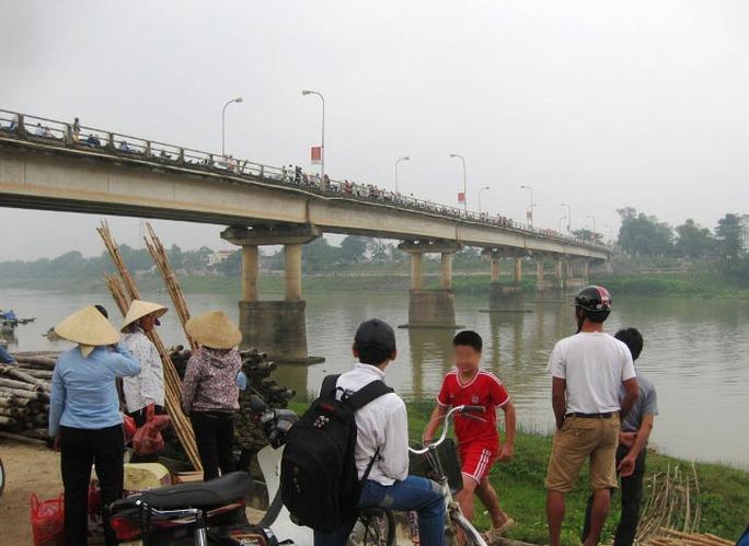 Cầu Vạn Hà, nơi người mẹ trẻ ôm con nhảy sông Chu tự tử