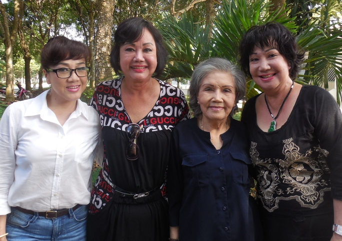 NSƯT Phương Hồng Thủy,Kiều Phượng Loan, NSƯT Út Bạch Lan và Mỹ Chi trong chương trìnhTrái tim yêu thương.