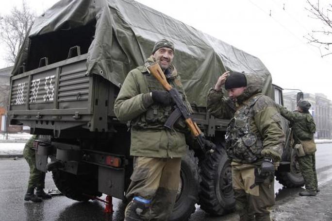 Ukraine tố bị phe ly khai thân Nga tấn công hôm 25-1. Ảnh: Reuters