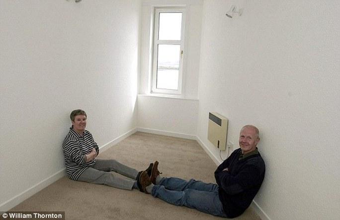 Ông George Allison (phải) và bà June Allison hồi còn sở hữu căn nhà. Ảnh: Daily Mail