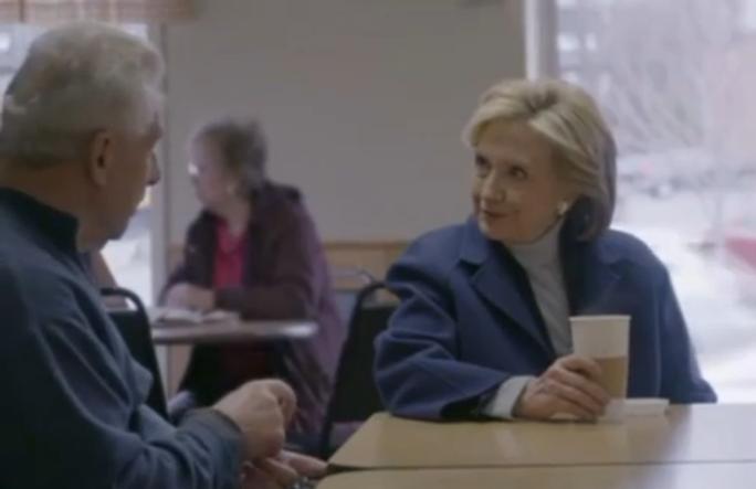Hình ảnh giản dị và thân thiện của bà Clinton trong đoạn video công bố tranh cử mới. Ảnh: Reuters