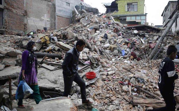 Đống đổ nát ở thủ đô Kathmandu - Nepal. Ảnh: Sky News