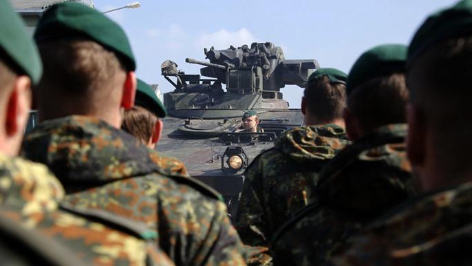 Một cuộc tập trận của NATO tên gọi NOBLE JUMP 2015 tổ chức ở Đức ngày 10-4 vừa qua. Ảnh: Reuters