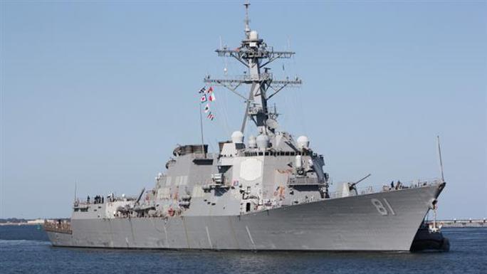 Tàu khu trục USS Winston S. Churchill (DDG-81) của Mỹ bị tố tiếp cận tàu chiến Iran. Ảnh: Press TV