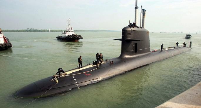 Pháp có thể trở thành nhà cung cấp tên lửa và tàu ngầm cho Ba Lan. Ảnh: AP