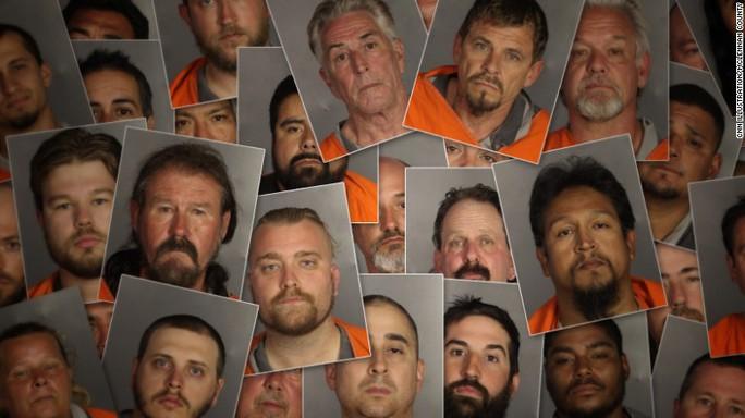 170 thành viên của 5 băng đảng mô-tô bị bắt vì liên quan đến tổ chức tội phạm và giết người. Ảnh: CNN
