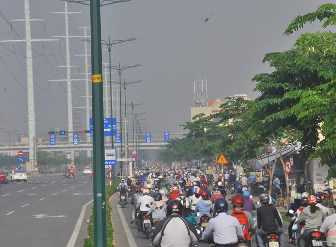Ùn ứ nghiêm trọng trên đường nội đô lớn nhất TP HCM